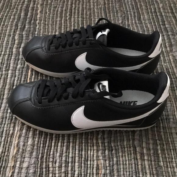 Nike Cortez black leather white swoosh 8.5